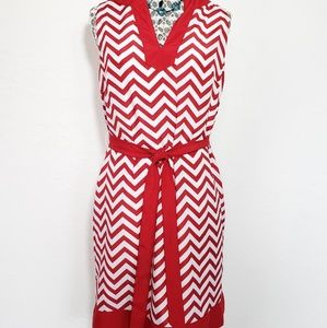 Womens Sleeveless Chevron Shift Dress